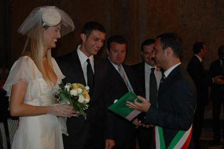 Tuğba Özay evlendi