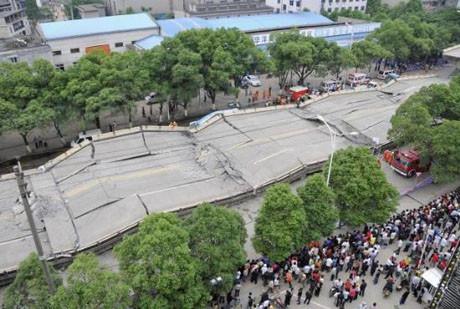 Çin'de viyadük çöktü, 6 ölü !