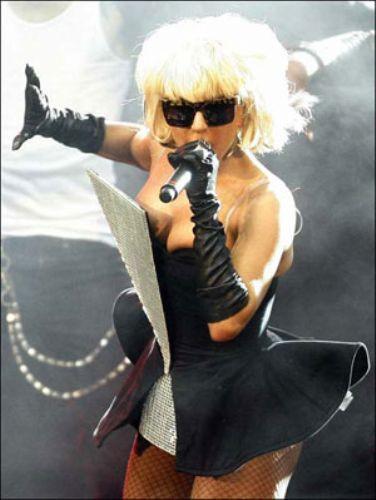 Lady Gaganın çılgın kıyafetleri