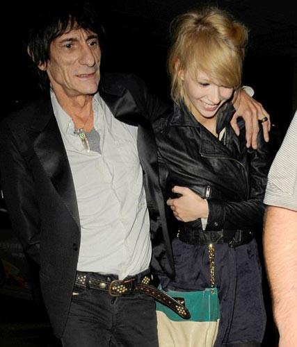 Ronnie Wood ve rus sevgilisi