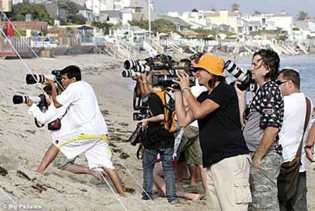 Lindsay Lohan yine paparazzilere yakalandı
