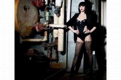 Katy Perry kara melek oldu