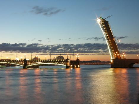 St. Petersburgun beyaz geceleri