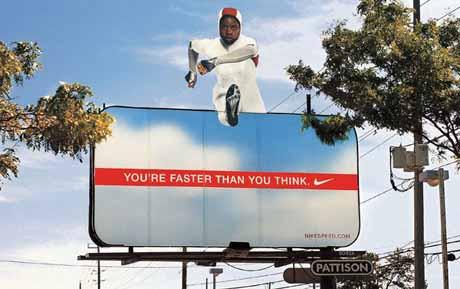 Komik reklam fotoğrafları