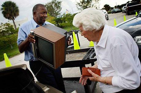 ABD analog TVleri çöpe attı