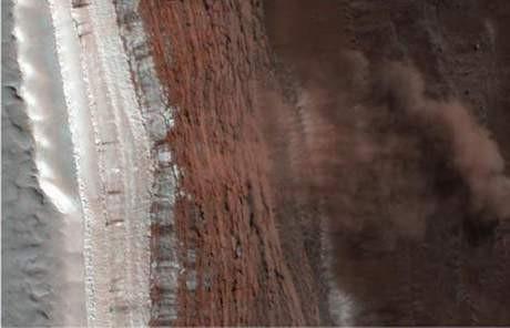 Mars ve uydularının yeni fotoğrafları