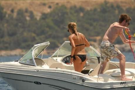 İvana Sertin tekne keyfi