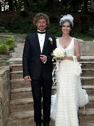 Tan Sağtürk evlendi