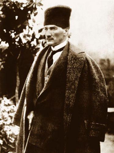 Dünyanın en şık erkeği, Atatürk