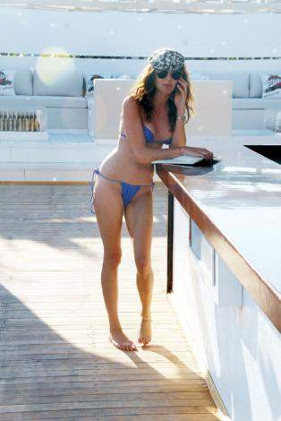 Ece Sükandan cesur bikini