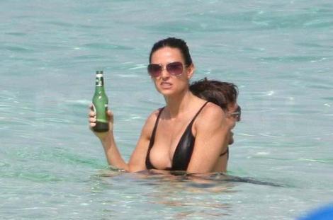 Demi Moore Karayiplerde !