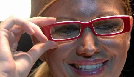 Bunlar da gözlük güzelleri...