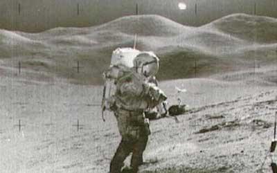 Ay fotoğraflarındaki UFO mu ?
