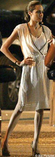 Angelina Jolie iskelete döndü..