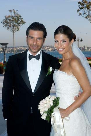 İzzet Antebi ile Didem Sarı evlendi