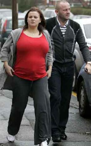 Karısı kilolu diye boşanmak istiyor