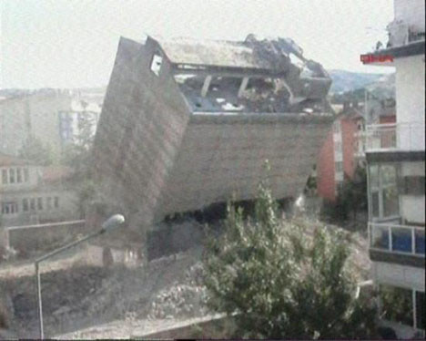 Çankırıda tarihi fabrika yıkıldı