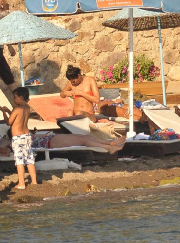 Halk plajında görüntülendiler