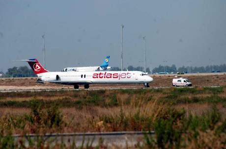 Atlas Jete ait yolcu uçağı kaçırıldı