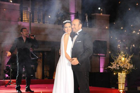 Bergüzar Korel ile Halit Ergenç evlendi