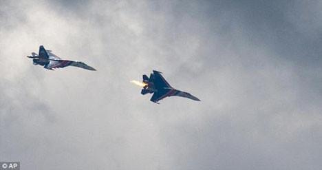 2 Rus jeti çarpıştı !