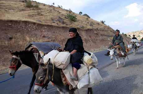 İran Kandil Dağını vuruyor, siviller kaçıyor