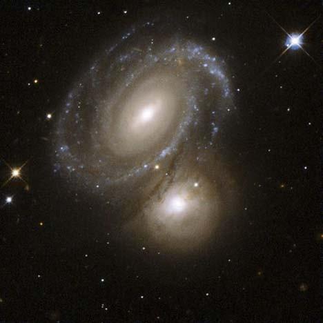 Hubbleın objektifinden galaksiler