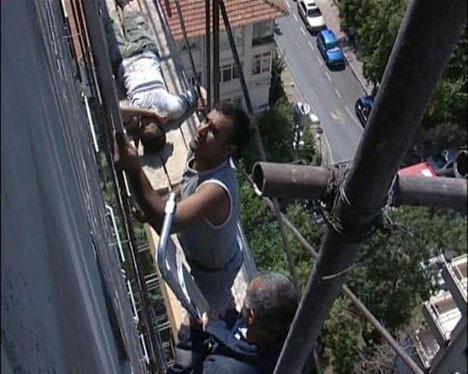 36 metreden düşüyordu !