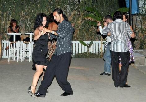 Tango gecesinde kriz