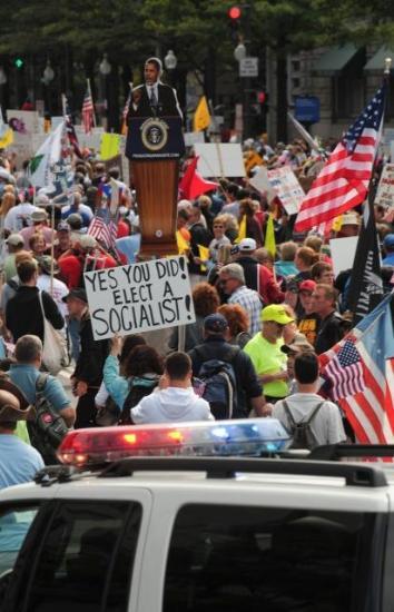 Obamayı böyle protesto ettiler