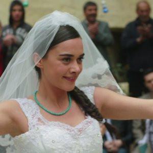 Yılanların Öcü'nde düğün var !