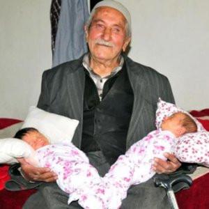 85 yaşında ikizleri oldu
