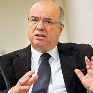 Fehmi Koru: Erdoğan Saray'ı kendisi vermeli