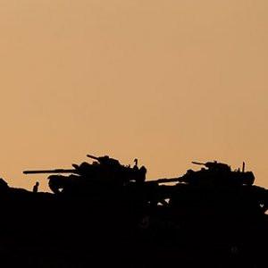Sınıra tank takviyesi