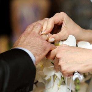 Evli kadınlara kızlık soyadı özgürlüğü