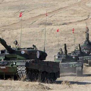 ''Türk tankları Suriye'deki köyü vurdu''...