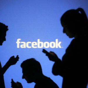 O savaşa Facebook da katılıyor !