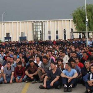 Dev fabrikada 1.600 işçi iş bıraktı