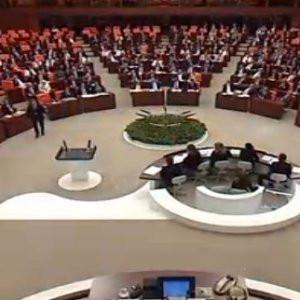 Meclis'te gergin toplantı ! 3 parti o bakanlara itiraz etti