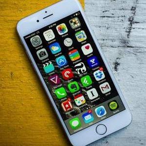 Spermini getirene iPhone'u hediye