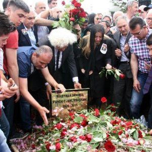 Demirel'in mezarı için koruma kararı