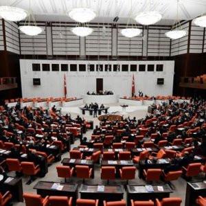 Meclis'te 17 ve 25 Aralık tartışması