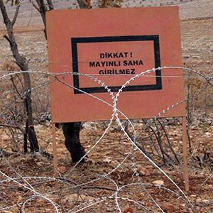 Sınırda şok: Suriyeliler mayına bastı