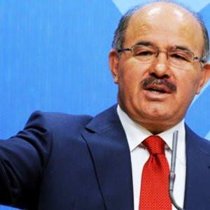 AK Parti'de istifa depremi !