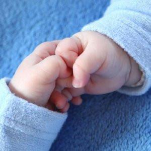 İkiz bebeklerin babaları farklı çıktı !