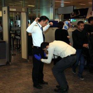 Havalimanında elle arama dönemi