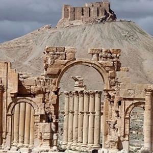 Esed Rus uçaklarıyla antik şehri ele geçirdi !
