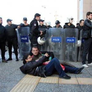 İstanbul Adliyesi önünde avukatlara müdahale