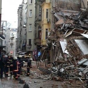 Beyoğlu'nda çöken binayla ilgili şok iddia