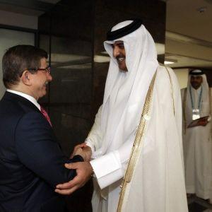 Başbakan Davutoğlu Katar'da açıklama yaptı !